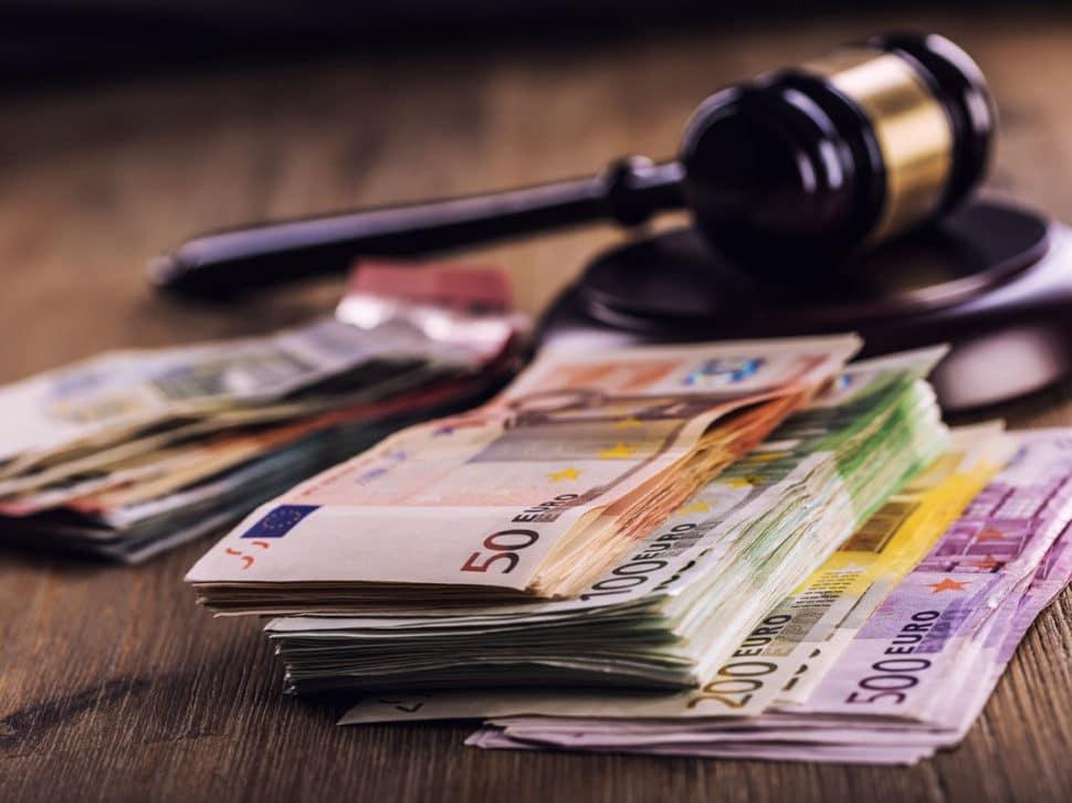 Pokuty a sankce při koupi nemovitosti